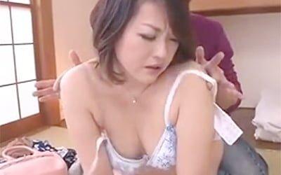 43歳、おばさんなぽっちゃり素人ババア熟女が旦那以外の男と初めての浮気セックスでAVデビューw