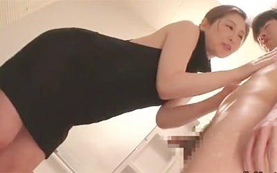 佐々木あき》来年四十路な奇跡の39歳美熟女が逆レイプ中出しセックス!