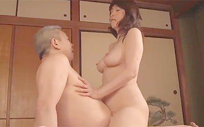 60歳な還暦六十路AV女優宮前幸恵の昭和を経た垂れ乳爆乳下乳がスケベすぎるSEX動画w