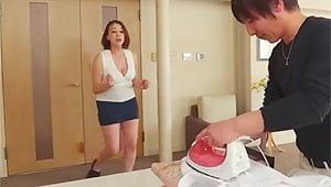 青井まり「いいのよそんなのアタシがしてあげるわよ!」嫁出産で家事手伝いに来てくれた五十路義母がエロ過ぎた件w